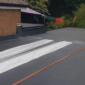 flat-roofer-42