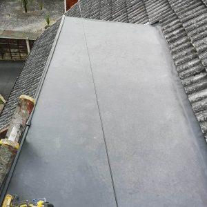 flat-roofer-47