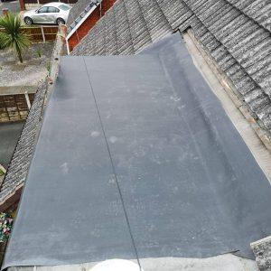 flat-roofer-51