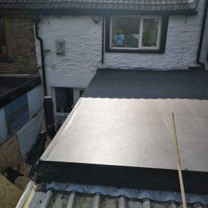 flat-roofer-60